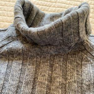 Banana republic 100% merino wool
